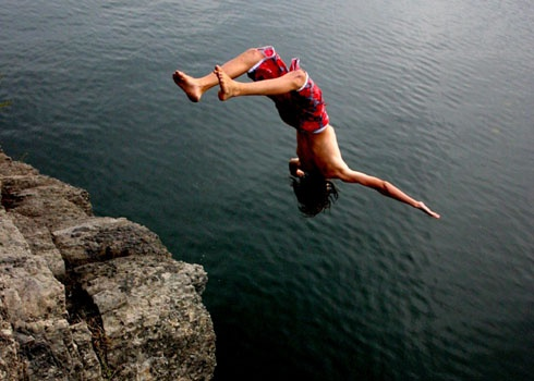 cliff_diving_490_350_95